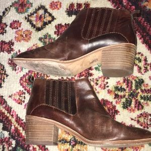 Madewell Shoes - Madewell Bonham Ankle Boots 8 Brown Booties